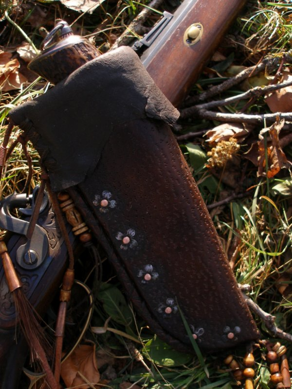 A VENDRE couteau manche en bois de cerf avec son étui également créé par moi.
