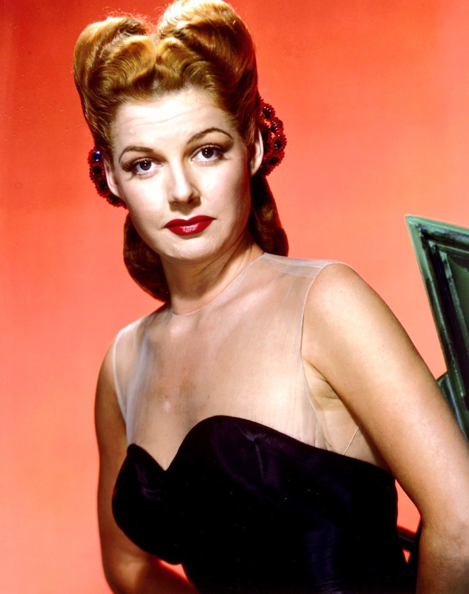 (POUR LES FANS DE MARILYN, MY NEW BLOG, clic on THE RARE COLOR CANDID PICTURE of Marilyn or clic on the pix of Clint WALKER for my other blog, HOLLYWOOD in KODACHROME)... On commence avec Ann SHERIDAN (de son vrai nom : Clara Lou SHERIDAN) est une actrice et productrice américaine née le 21 février 1915 à DENTON, Texas (États-Unis), morte le 21 janvier 1967 à Los Angeles, (Californie).