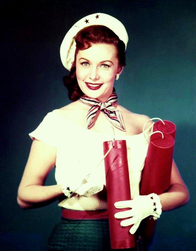 Rhonda FLEMING (née Marilyn LOUIS) est une actrice américaine née le 10 août 1923 à Hollywood, Los Angeles, Californie (États-Unis).