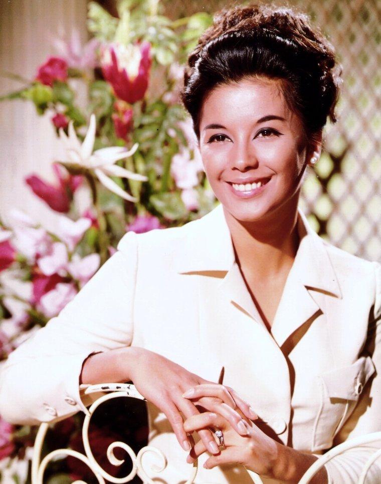 France NUYEN est une actrice et pyschologue française, de son vrai nom France NGUYEN Van NGA, née le 31 juillet 1939 à Marseille (Bouches-du-Rhône).