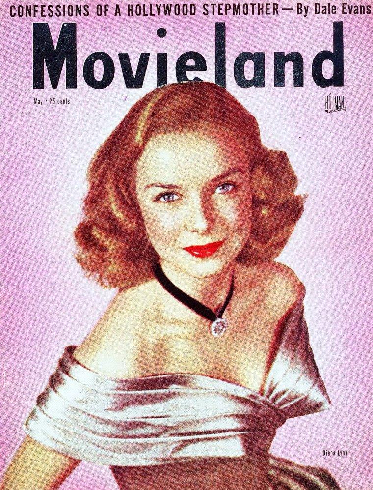 """Diana LYNN (7 octobre 1926 – 18 décembre 1971) était une actrice américaine. Née Dolores Marie LOEHR à Los Angeles en Californie, LYNN était considérée comme un enfant prodige pour ses capacités exceptionnelles à jouer du piano dès son plus jeune âge. À 12 ans, elle jouait avec le """"Los Angeles Junior Symphony Orchestra""""."""