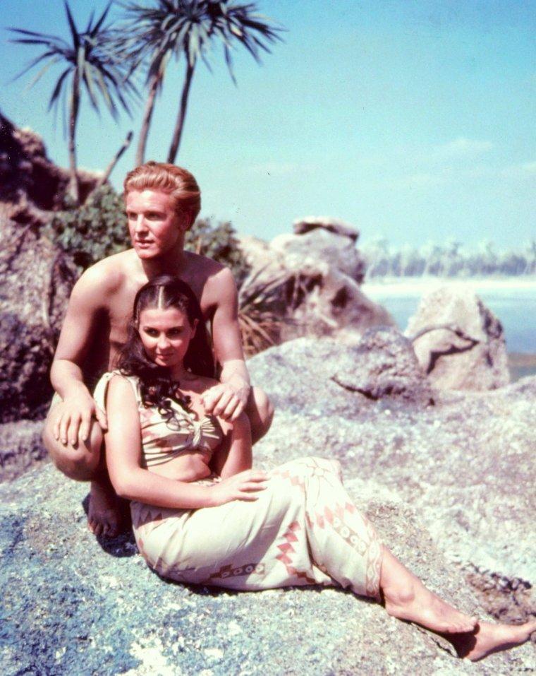 Jean SIMMONS est une actrice anglaise, née le 31 janvier 1929 à Crouch Hill (Royaume-Uni) et morte le 22 janvier 2010 à Santa Monica (Californie).