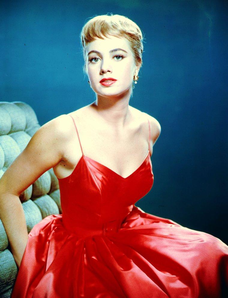 Shirley JONES est une actrice américaine née le 31 mars 1934 à Charleroi, Pennsylvanie (États-Unis).