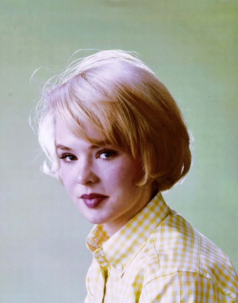 Joey HEATHERTON pictures (part 2).