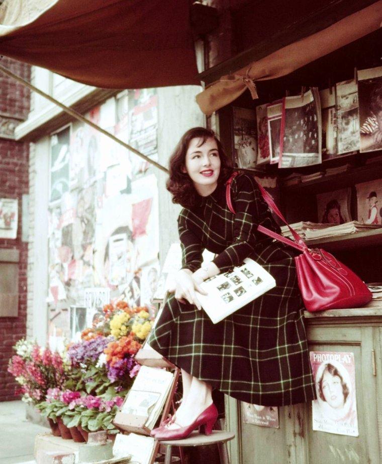 Peggy O'CONNOR en 1950 by Loomis DEAN (aucune information sur sa biographie).