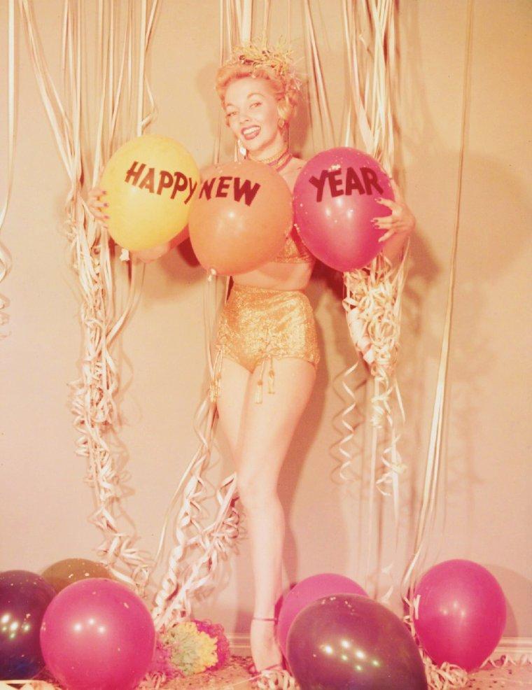 Mari BLANCHARD née le 13 Avril 1927, décédée le 10 Mai 1970 est une actrice américaine.