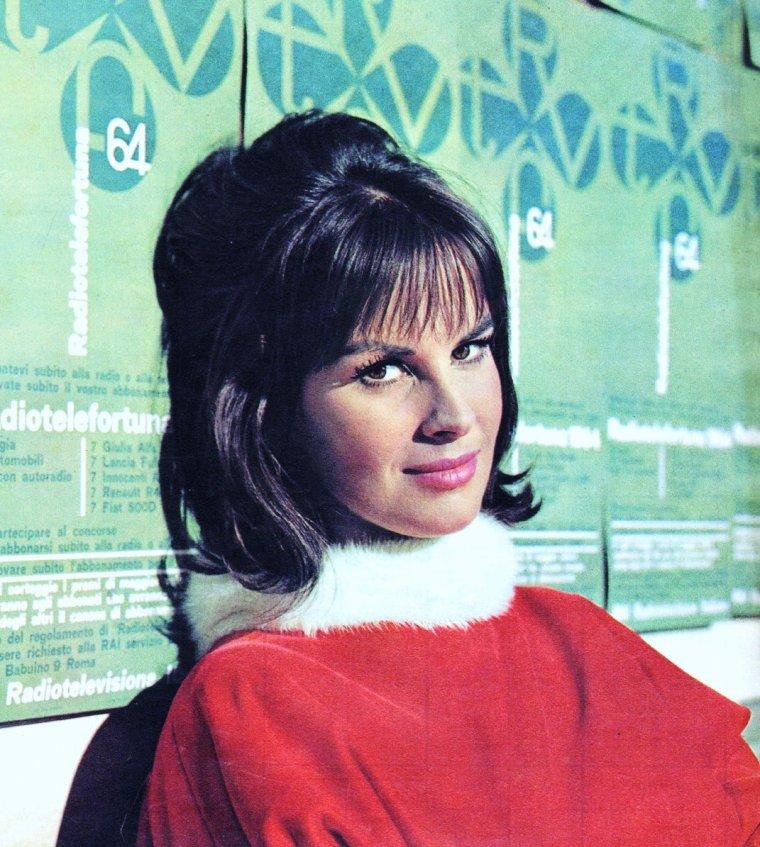 Antonella LUALDI, née Antonietta De PASCALE le 6 juillet 1931 à Beyrouth, au Liban, est une actrice italienne.