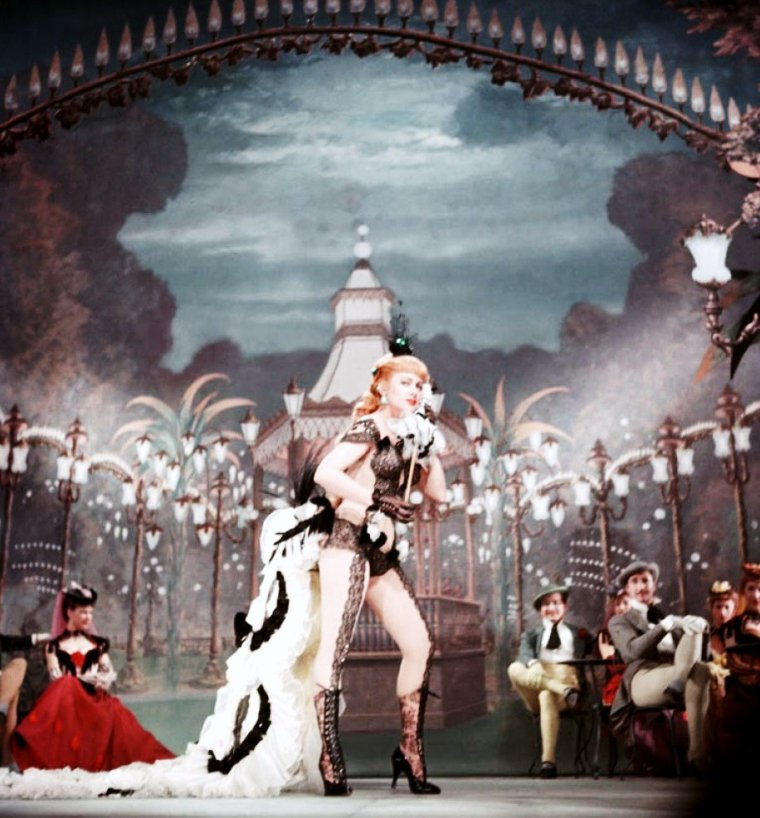 "Martine CAROL est ""Nana"" dans le film du même nom en 1954."