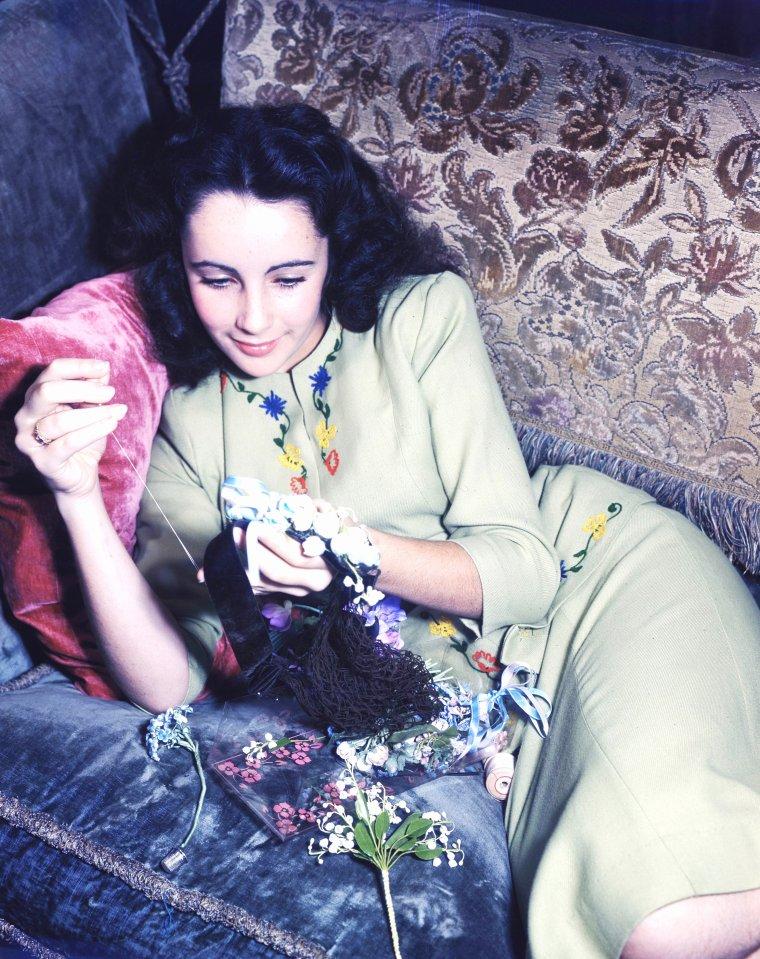 YOUNG... Elizabeth TAYLOR