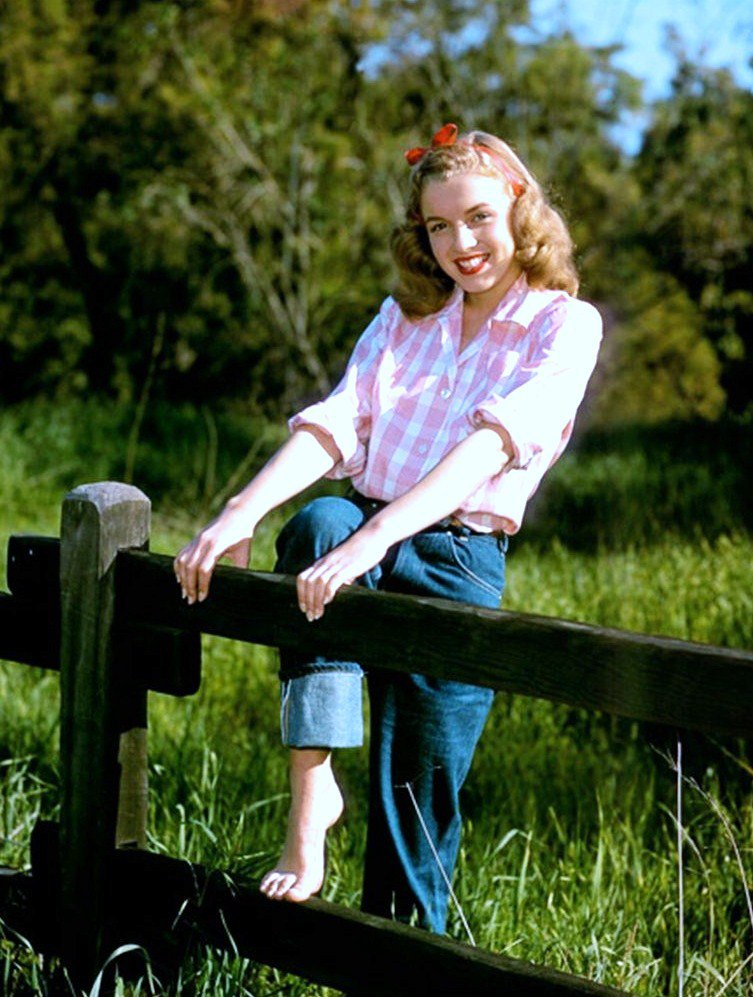 YOUNG... Norma Jeane DOUGHERTY as Marilyn MONROE