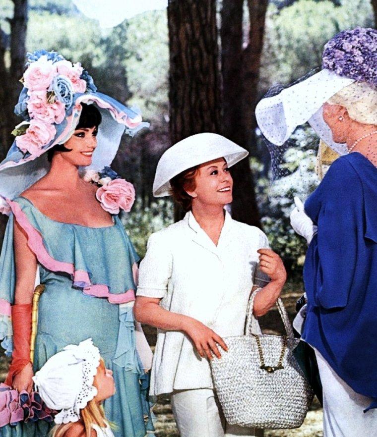 Giulietta (Giulia Anna) MASINA est une actrice italienne née le 22 février 1920 à San Giorgio di Piano, province de Bologne, décédée le 23 mars 1994 à Rome à l'âge de 74 ans. Elle fut l'épouse de Federico FELLINI.