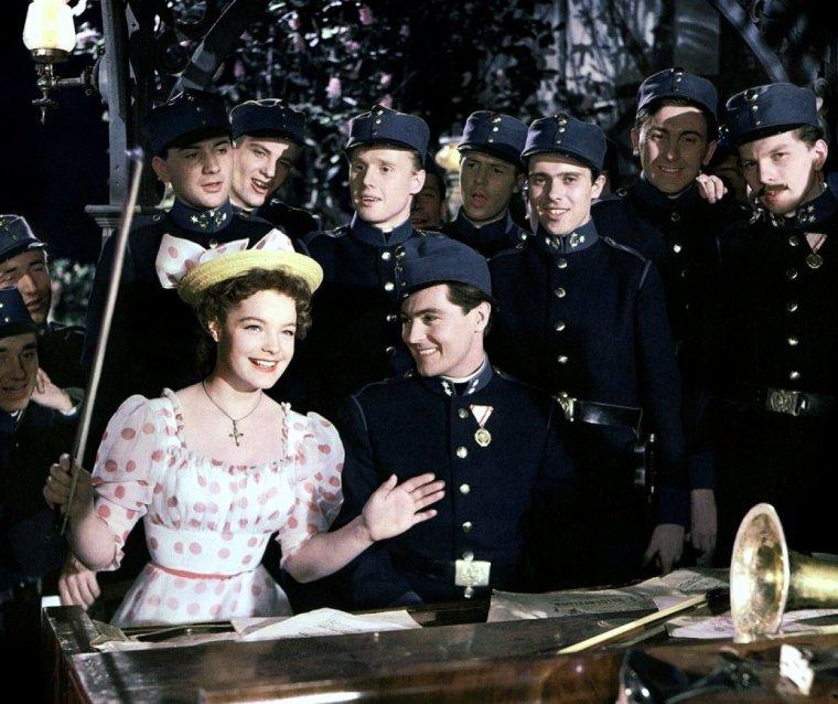 """Romy SCHNEIDER 1955 est """"Mam'zelle cricri"""" dans le film du même nom."""