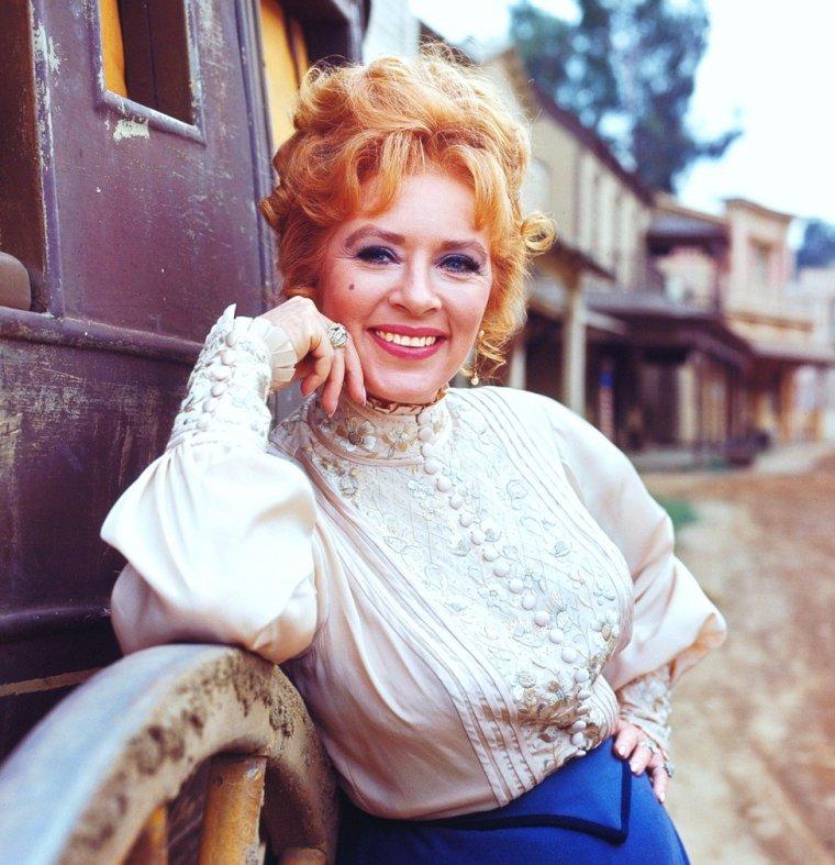 Amanda BLAKE est une actrice américaine née le 20 février 1929 à Buffalo, New York (États-Unis), décédée le 16 août 1989 à Sacramento (Californie).
