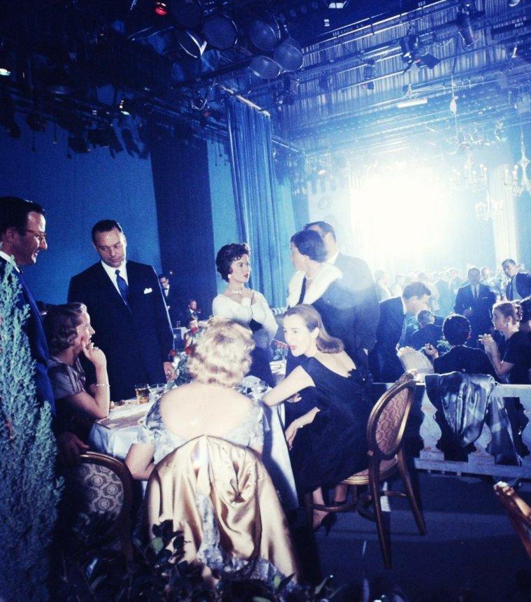 Shirley TEMPLE en 1958 by Ralph CRANE.