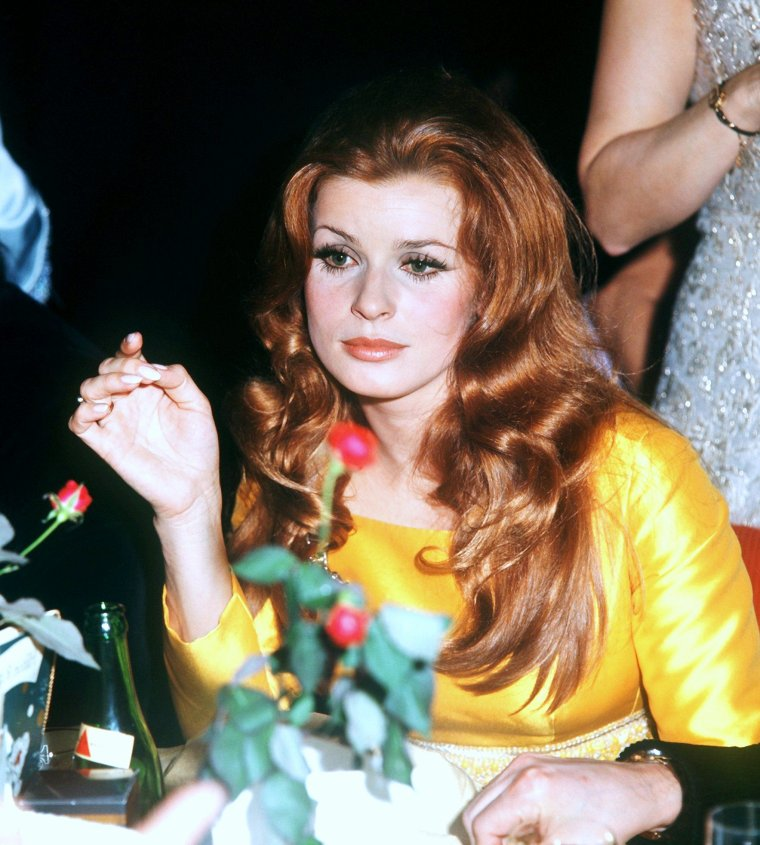 Senta BERGER pictures (part 2).
