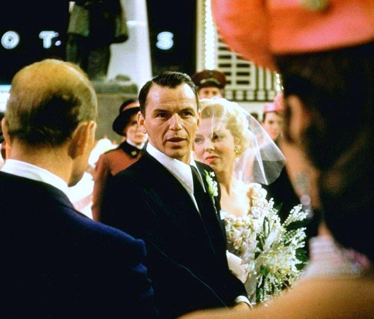 """1955 / FILM MYTHIQUE et casting de rêve (Jean SIMMONS, Marlon BRANDO, Vivian BLAINE, Frank SINATRA) / """"Blanches colombes et vilains messieurs"""" (Guys and Dolls) est un film musical américain de Joseph L. MANKIEWICZ, d'après la comédie musicale homonyme d'Abe BURROWS, Jo SWERLING et Frank LOESSER, créée en 1950."""