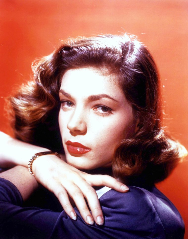 La grande classe de Lauren BACALL (the look)