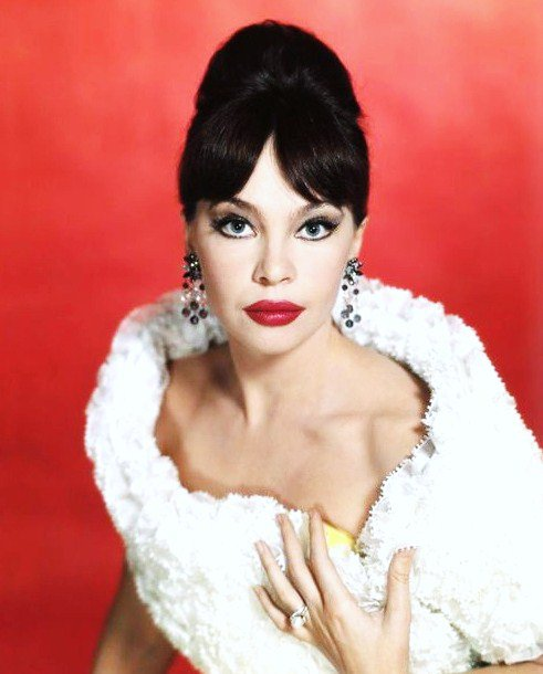 BONUS photos... Leslie CARON