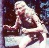 """1955 à 1956 / Irish McCALLA incarne Sheena dans 26 épisodes de la série """"Sheena, queen of the jungle""""."""