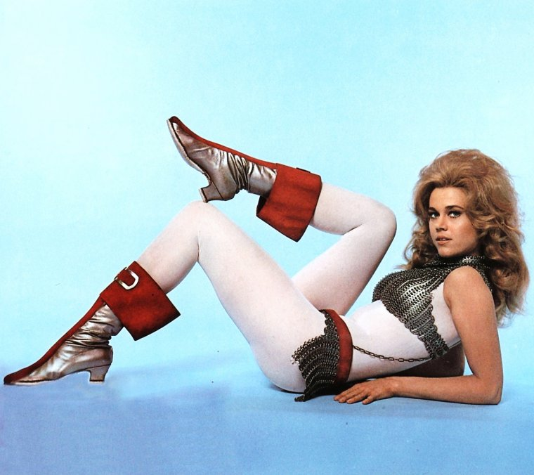 1968 / Jane FONDA incarne Barbarella dans le film de science-fiction du même nom.