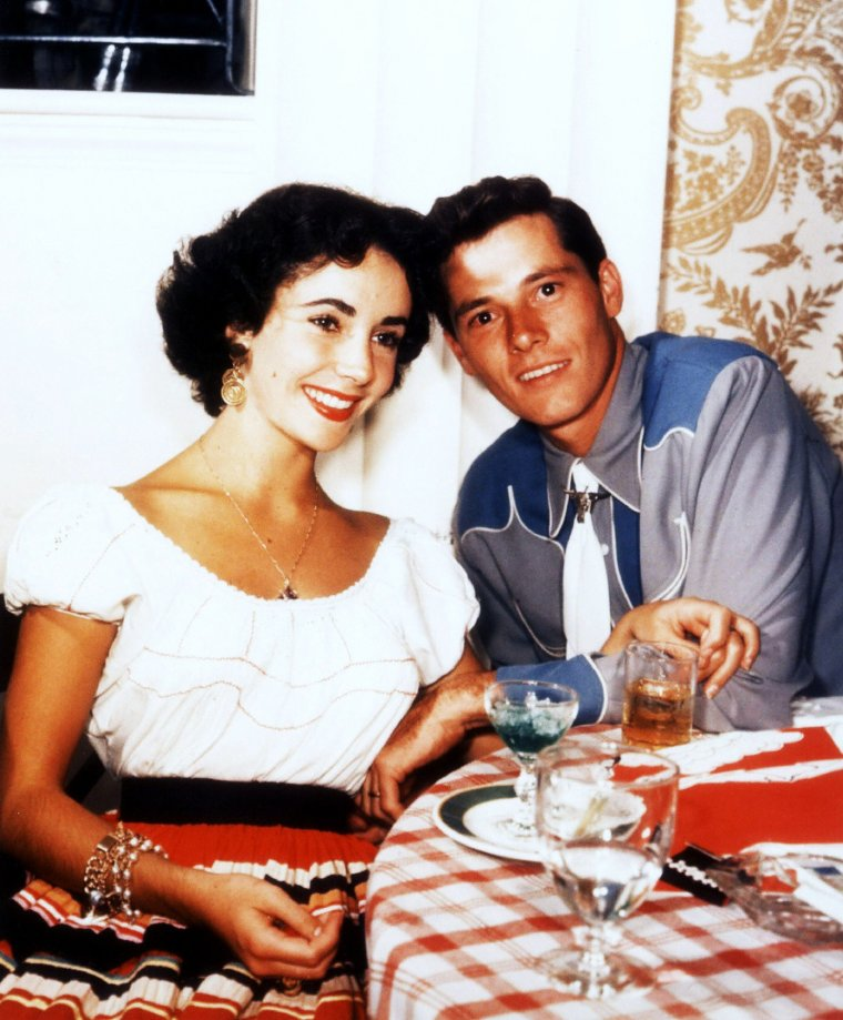 Un temps maris et femmes... / de haut en bas / Kathryn GRAYSON and Johnny JOHNSTON / Anita EKBERG and Anthony STEEL / Brigitte BARDOT and Gunter SACHS / Elizabeth TAYLOR and Conrad HILTON / Jayne MANSFIELD and Mickey HARGITAY / Marilyn MONROE and Joe DiMAGGIO / Vivien LEIGH and Laurence OLIVIER / Natalie WOOD and Robert WAGNER