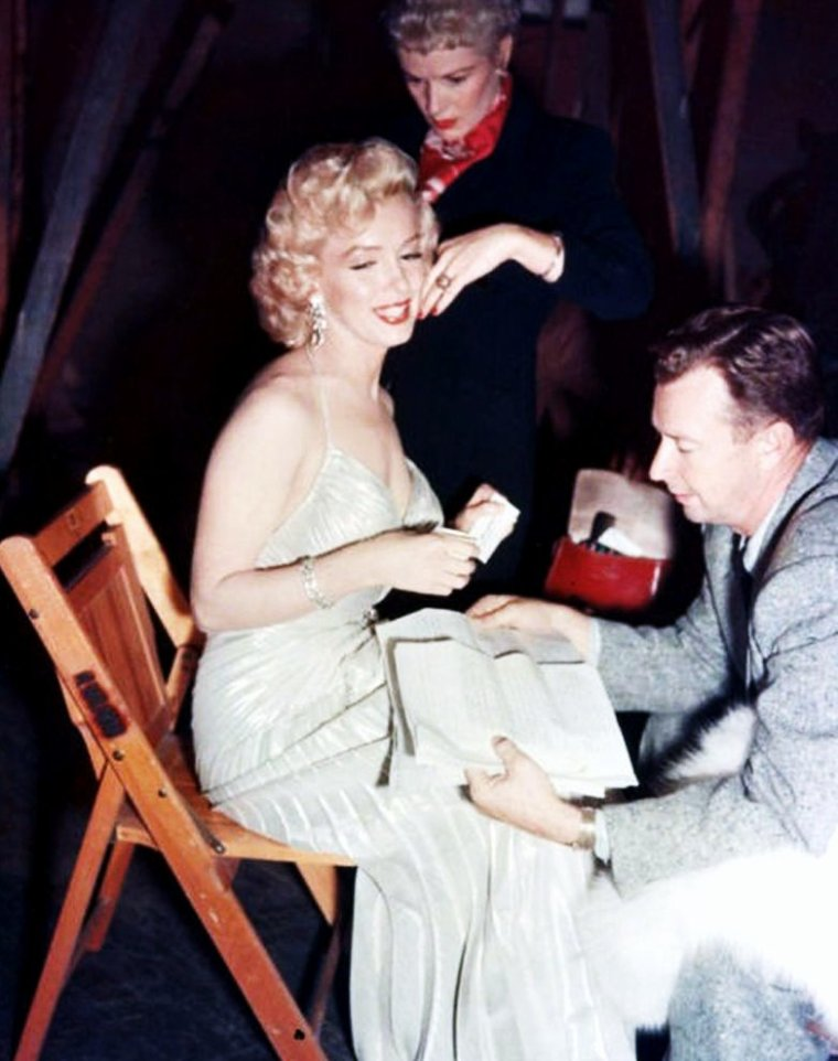 On the set with... Elizabeth TAYLOR and Rock HUDSON / Melina MERCOURI and Anthony PERKINS / Marilyn MONROE / Natalie WOOD and James DEAN / Rita HAYWORTH / Norma SHEARER and Van HEFLIN / Susan PETERS and Van JOHNSON / Sophia LOREN and Alan LADD