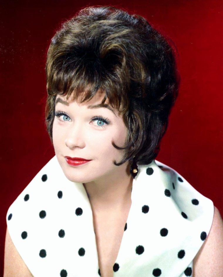 Portrait... Shirley MacLAINE
