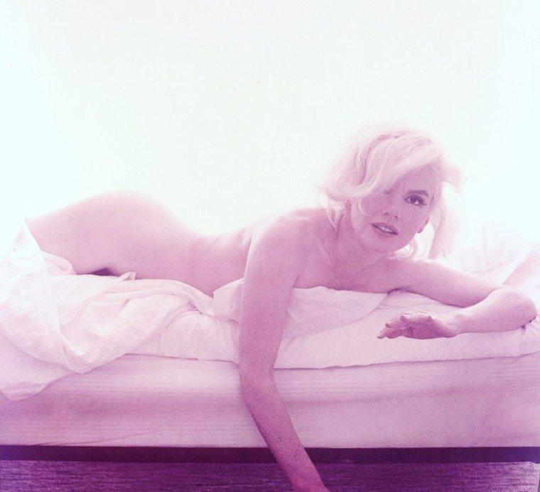 """""""Temptation..."""" (de haut en bas) Lili St CYR / Lynne O'NEILL / Mamie Van DOREN / Belinda LEE / Marilyn HANOLD / Bettie PAGE / Jayne MANSFIELD / Marilyn MONROE"""