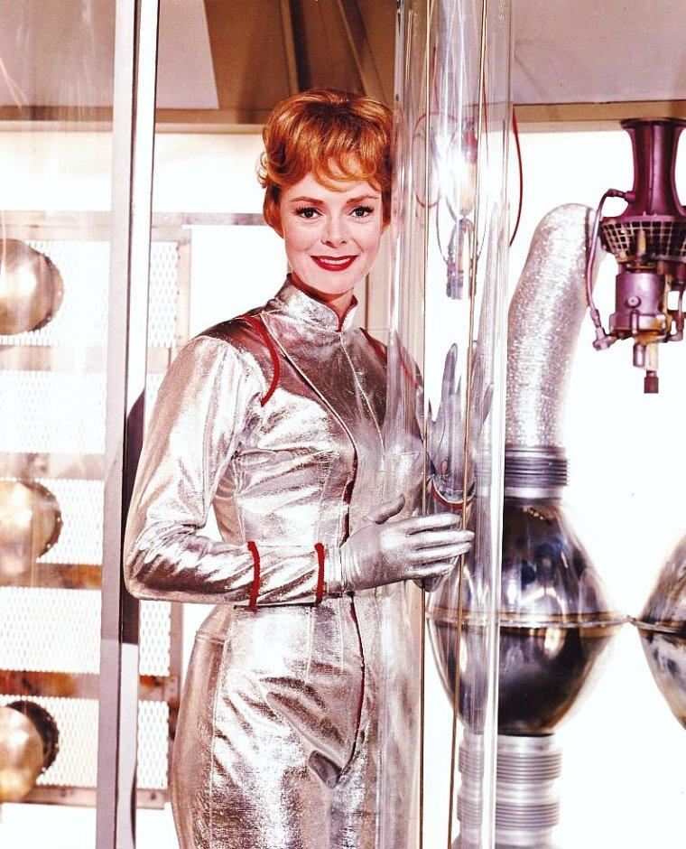 June LOCKHART est une actrice américaine née le 25 juin 1925 à New York, New York (États-Unis).