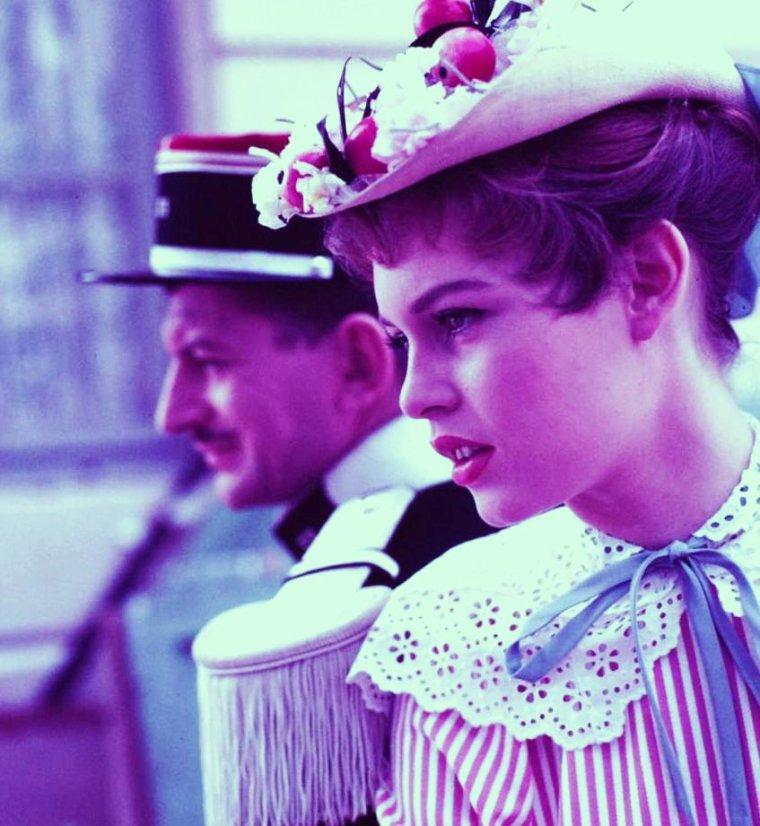 """1955 / FILM CULTE / """"Les grandes manoeuvres"""" réunissant la jeune Brigitte BARDOT, Michèle MORGAN ou encore Dany CARREL aux côtés de Gérard PHILIPE, entre autres..."""