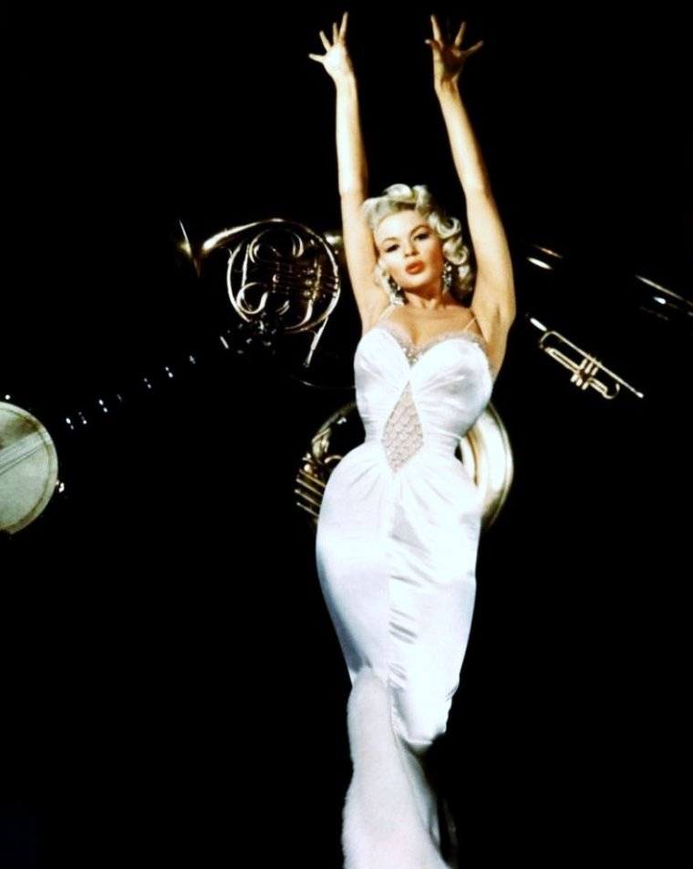 """Tenues de STARS exigées !""... (de haut en bas) Gina LOLLOBRIGIDA / Sophia LOREN / Gene TIERNEY / Jayne MANSFIELD / Jean SIMMONS / Marilyn MONROE / Rita HAYWORTH / Martha HYER"