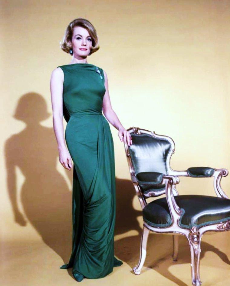 Duet... Joanna BARNES (actrice et écrivain américaine née le 15 Novembre 1934).