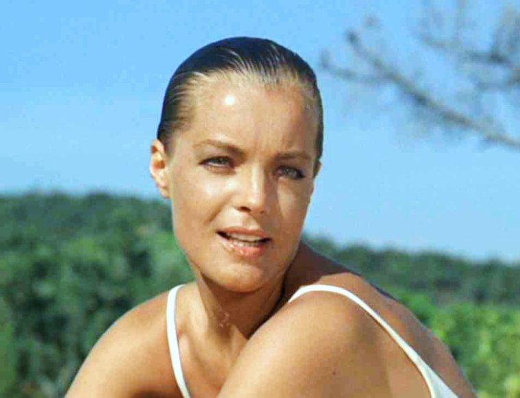Articles de i love vintage actresses tagg s romy schneider page - Maison du film la piscine ...