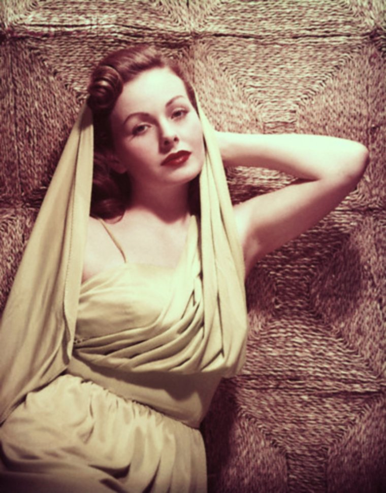 Jeanne CRAIN, new pictures...