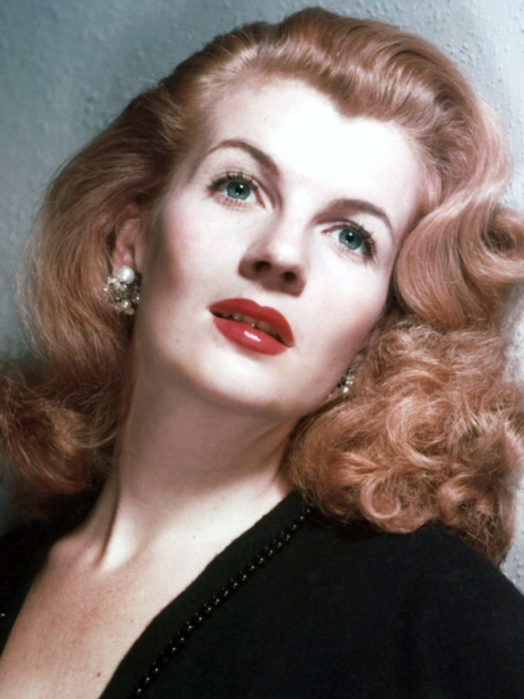 BONUS photos... Corinne CALVET