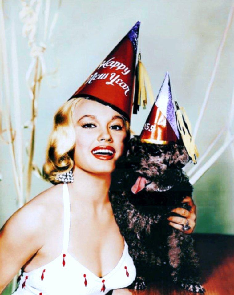 Happy New-Year  !... (de haut en bas) Mari BLANCHARD / Marilyn MONROE / Mamie Van DOREN / Edy WILLIAMS / Jayne MANSFIELD / Lila LEEDS / Joan COLLINS / Claudia CARDINALE