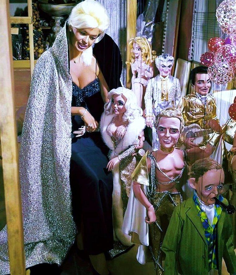 "Elles sont restées de ""grands enfants""... (de haut en bas) Anne JEFFREYS / Jayne MANSFIELD / Olga San JUAN / Natalie WOOD / Sally Ann HOWES / Diana LYNN / Shirley TEMPLE / Mona FREEMAN"