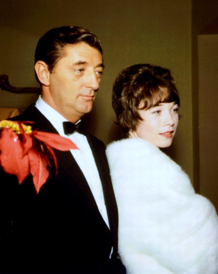 MONDANITES... (de haut en bas) Gina LOLLOBRIGIDA and Rock HUDSON (1964) / Shirley MacLAINE and Robert MITCHUM / Doris DAY, Martin MELCHER and Jack LEMMON (1961) / Camilla SPARV and Michaël CAINE / Elizabeth TAYLOR and Richard BURTON (1968) / Joan CRAWFORD and John F. KENNEDY / Marilyn MAXWELL and Rock HUDSON / Barbara STANWYCK, Robert TAYLOR and David NIVEN