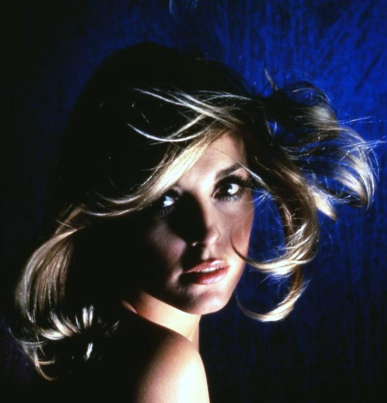 Duet... Sharon TATE (1966).