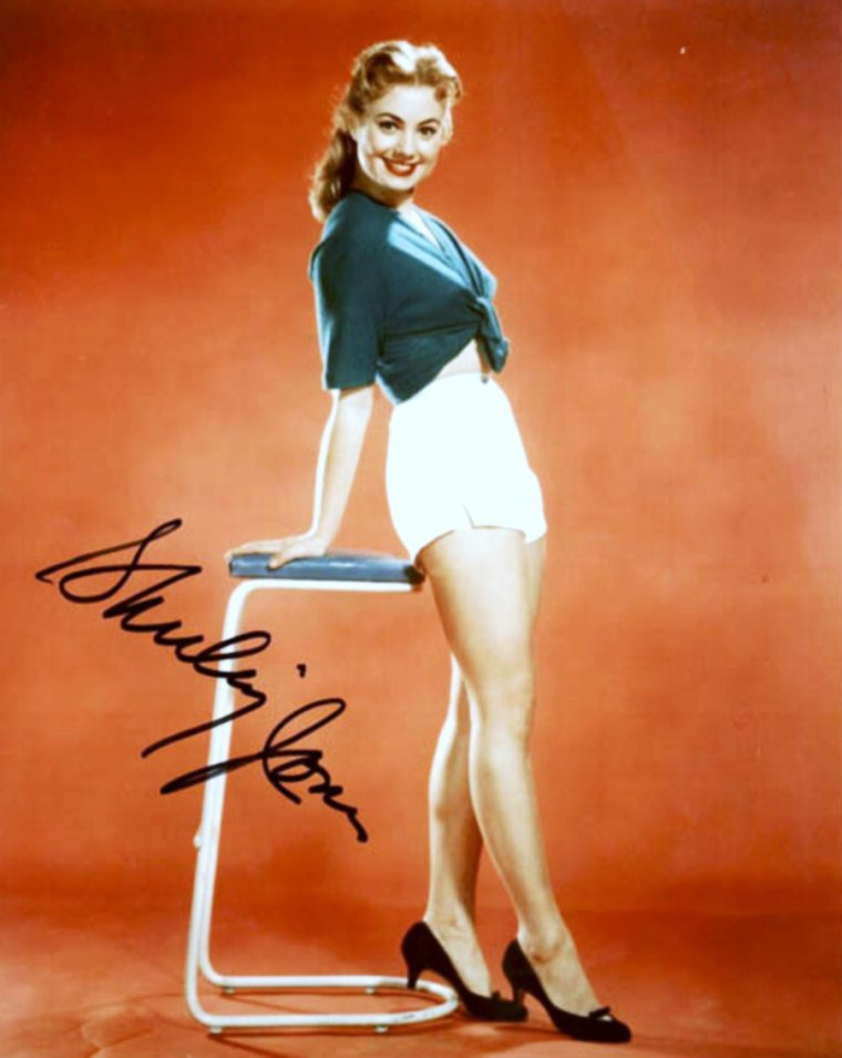 AUTOGRAPHES de STARS, avec des photos inédites au blog... (de haut en bas) Constance TOWERS / Barbara STANWYCK / Mamie Van DOREN / Kim NOVAK / Lauren BACALL / Shirley JONES / Esther WILLIAMS / Glynis JOHNS