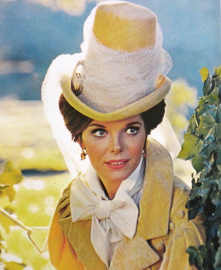 Samantha EGGAR est une actrice anglaise née le 5 mars 1939 à Hampstead (Londres).