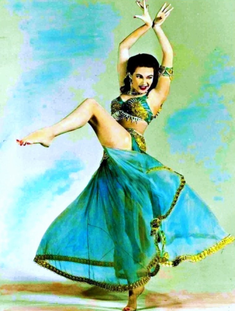 "RUBRIQUE / ""Danse avec les STARS"" (part 3) (de haut en bas) Ann MILLER / Betty GRABLE / Cyd CHARISSE (and Fred ASTAIRE) / Joan COLLINS / Leslie CARON (and Fred ASTAIRE) / Yvonne De CARLO / Rita MORENO"