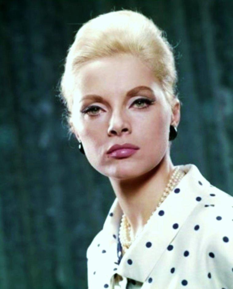 Portrait... Virna LISI (1965)