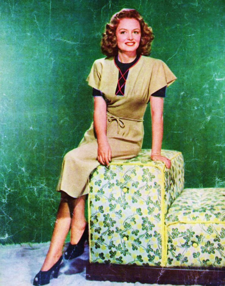 VINTAGE FASHIONS (part 2) (de haut en bas) Susan HAYWARD / Esther WILLIAMS / Doris DAY / Alice FAYE / Patricia NEAL / Deanna DURBIN / Donna REED / Elizabeth TAYLOR
