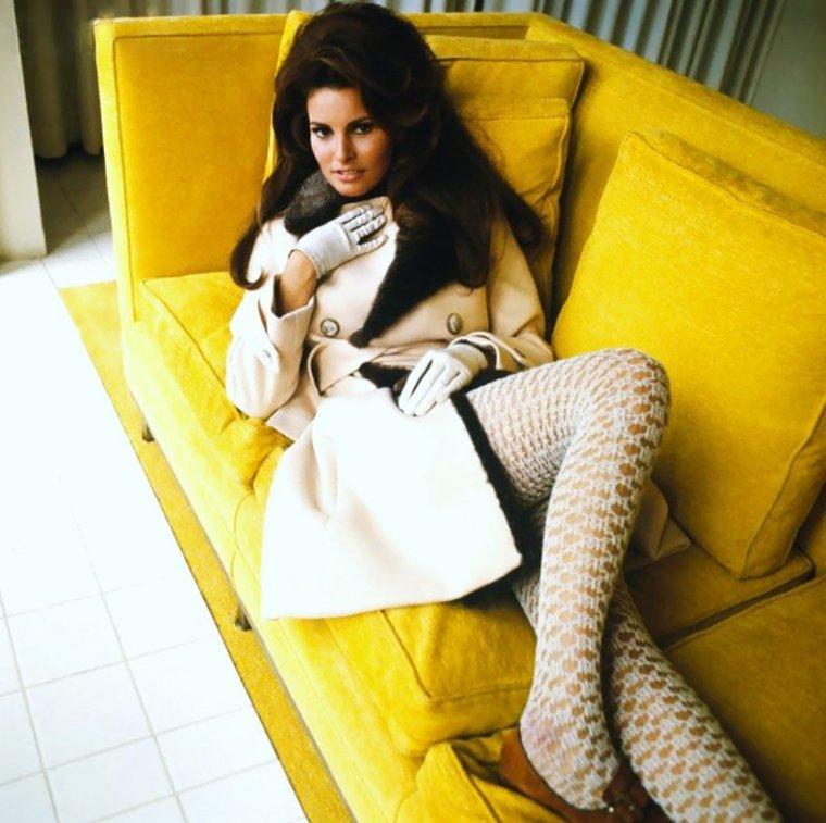 1967 / Raquel WELCH
