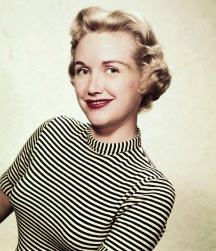 INEDIT / Phyllis AVERY est une actrice Américaine (14 Novembre 1922 - 19 Mai 2011).