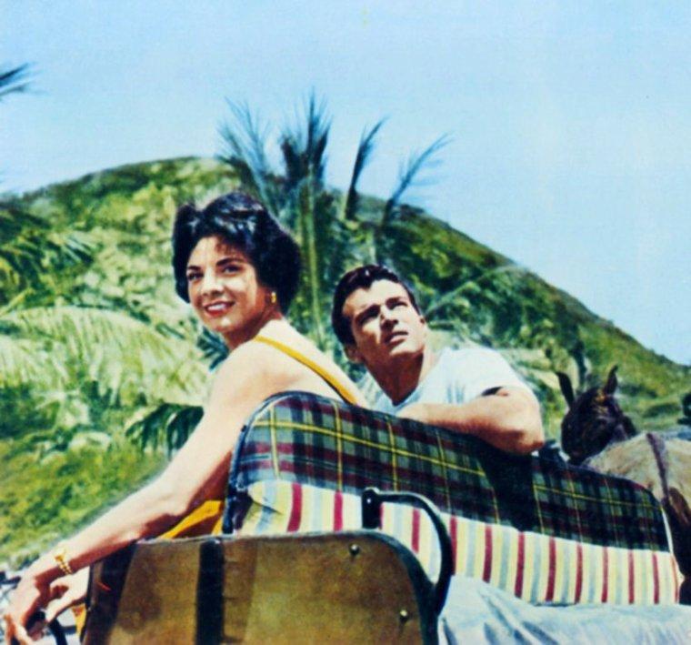 Ziva RODANN, aussi connue sous le pseudo de Ziva SHAPIR, née Ziva BLACKMAN le 2 Mars 1935 à Haïfa en Israël, est une actrice Américaine. En effet, c'est à l'âge de 14 ans qu'en famille elle gagne Hollywood pour se retirer dans son pays d'origine dans les années 60.