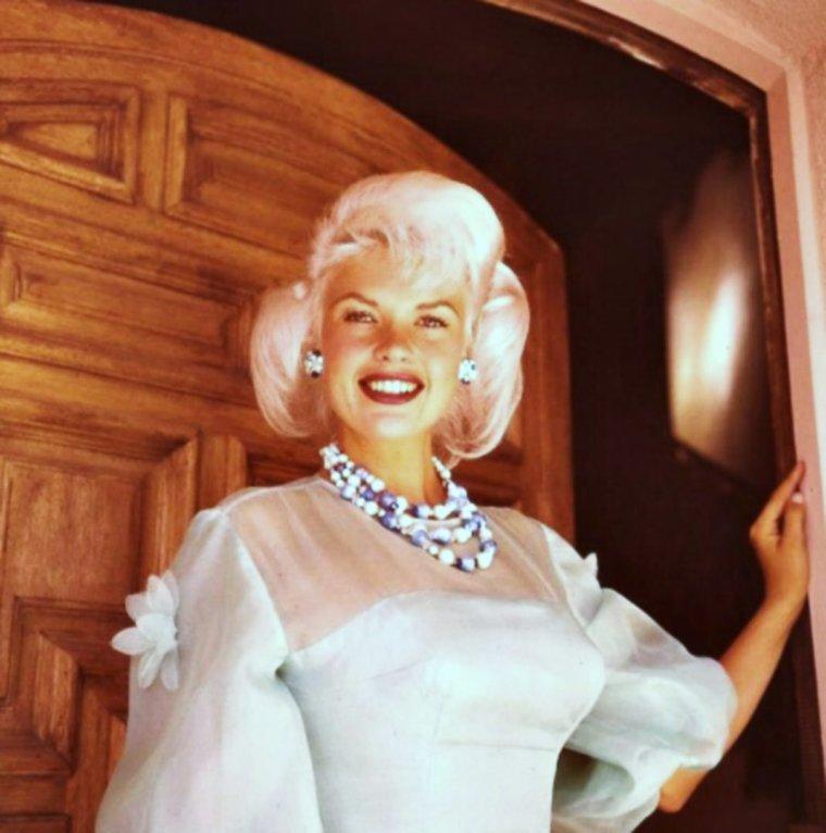 """CITATION / """"Les mots riches de couleur et de sonorité sont aussi difficiles d'emploi que les bijoux voyants et les teintes vives dans la toilette"""". """"La Difficulté d'être"""" (1947) Citation de Jean COCTEAU (de haut en bas) Marilyn MONROE / Grace KELLY / Brigitte BARDOT / Zsa Zsa GABOR / Elizabeth TAYLOR / Mitzi GAYNOR / Jayne MANSFIELD / Arleen WHELAN"""