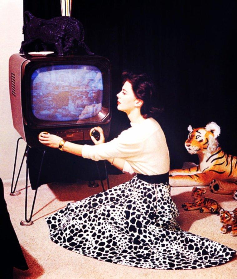"""SOIREE TELE / C'est pas souvent, mais toujours avec des films vus et revus, ce soir une exception avec """"The day after"""" on TMC... BONNE SOIREE A TOUTES ET A TOUS ! (Natalie WOOD)"""