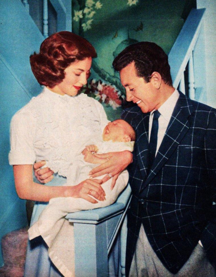 J - 11 et nos mamans sont à l'honneur... (fête des mères) PENSEZ-Y !... (photo Pier ANGELI et son mari Vic DAMONE).